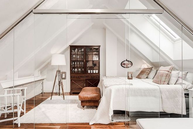 Stunning-attic-bedroom-with-glass-walls